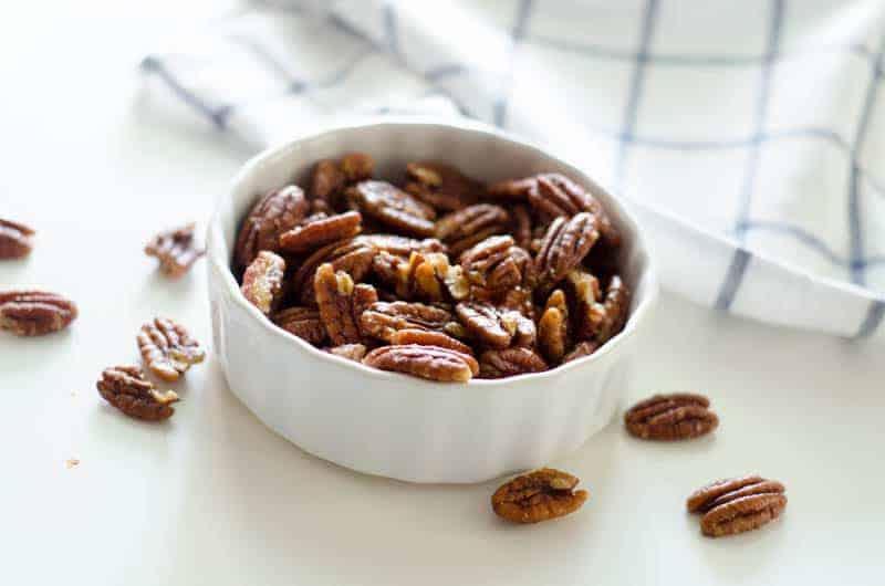 Salted Maple Bacon Pecans | paleoscaleo.com