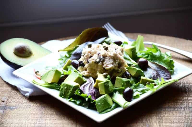 Mediterranean Tuna Salad | Paleo Scaleo