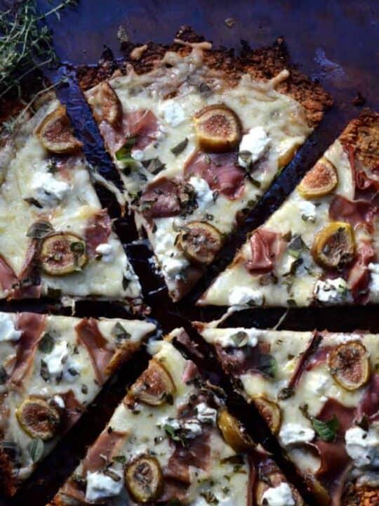 Sweet Potato Crust Pizza | paleoscaleo.com