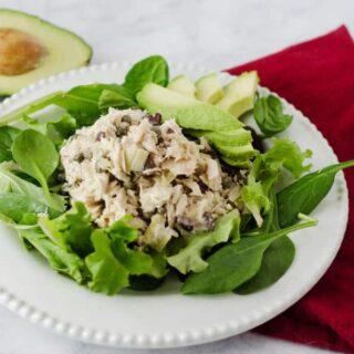 Mediterranean Tuna Salad | PaleoScaleo.com