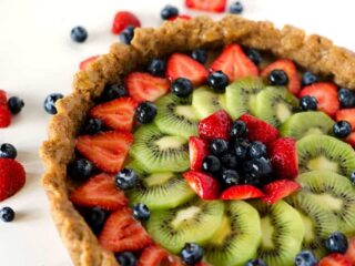 Mixed Fruit Tart with Glaze | PaleoScaleo.com