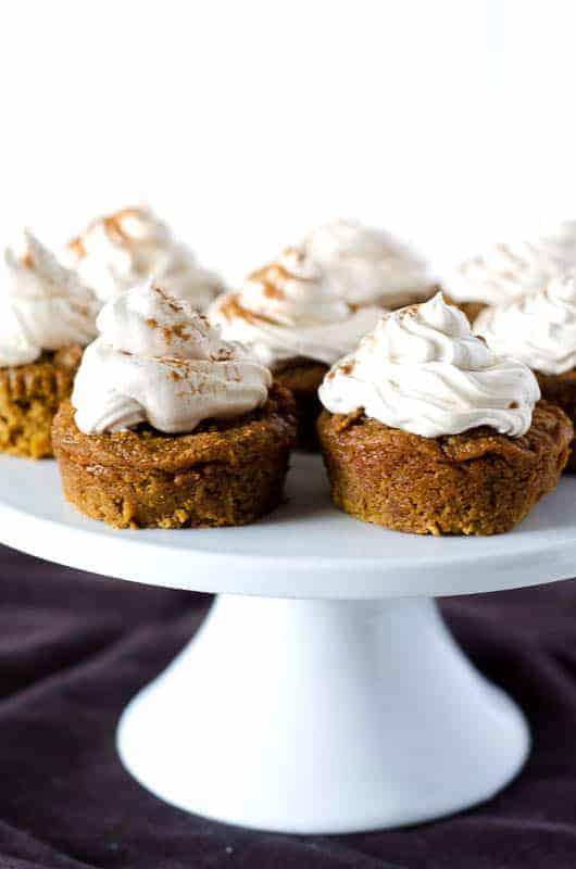 Paleo Pumpkin Cupcakes with Meringue Frosting | PaleoScaleo.com
