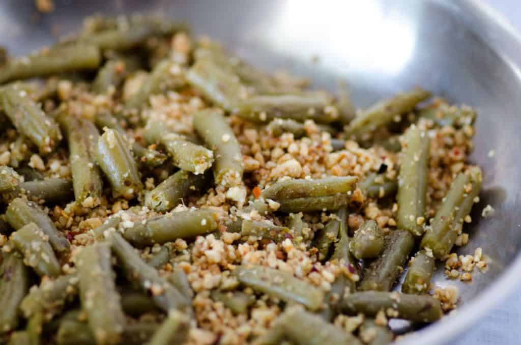 canned green beans recipe with cashews and garlic